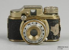 2004/44/10-4 Miniature camera, 'Hit', metal / plastic / glass, made by the Tougodo Company, Japan, 1950-1969 - Powerhouse Museum Collection