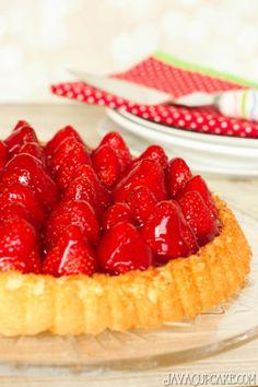 Erdbeerkuchen mit Sahne (Strawberries & Cream Shortcake) | JavaCupcake.com