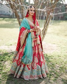 Looking for Bridal Lehenga for your wedding ? Dulhaniyaa curated the list of Best Bridal Wear Store with variety of Bridal Lehenga with their prices Wedding Lehnga, Indian Bridal Lehenga, Indian Bridal Outfits, Indian Bridal Fashion, Indian Bridal Wear, Indian Designer Outfits, Indian Dresses, Indian Wear, Red Lehenga