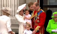 "Royal Central on Twitter: ""The Cambridge family appear as a family for the first time on the Buckingham Palace balcony"
