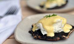 Mushroom eggs benedict, with roasted portobello mushrooms and creamy hollandaise sauce.
