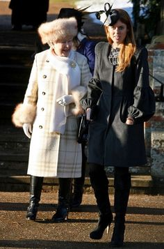 Aw! Queen Elizabeth II looks adorable! with granddaughter princess Beatrice