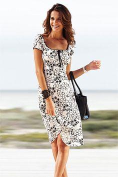 Heine Printed Dress at EziBuy New Zealand. Buy women's, men's and kids fashion online. Modest Fashion, Fashion Dresses, Fashion Hair, Women's Dresses, Dresses Online, Holiday Outfits, Buy Dress, Dress Brands, Beautiful Dresses