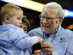 Warren Buffett doesn't dole out advice to just any audience, he saves his wisdom for small-business owners — or those who aspire to become entrepreneurs.