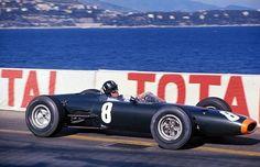 Graham Hill con el BRM P261 ganando en Mónaco