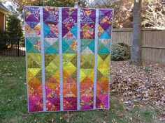 Spectrum quilt, pattern by Alison Glass Quilting Tips, Quilting Projects, Quilting Designs, Sewing Projects, Quilt Design, Quilting Patterns, Scrappy Quilts, Baby Quilts, Modern Quilt Patterns