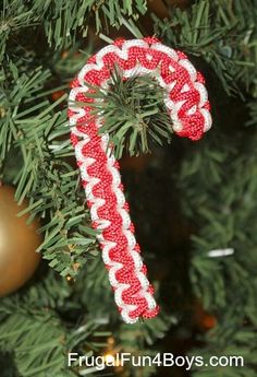 Parachute Cord (Paracord) Candy Cane Christmas Ornaments - Great Christmas craft for older kids!  Thi#Crafts #Christmas