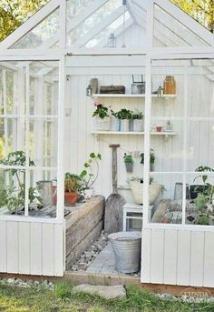 the perfect gardenhouse for me!