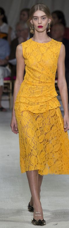 Oscar de la Renta Collection Spring 2016 Ready-to-Wear yellow lace dress. women fashion outfit clothing stylish apparel @roressclothes closet ideas