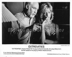 """Movie Still / Publicity Photo / Press Kit Promo Title: Extremities Star(s): Farrah Fawcett, Robert M. Young (director) Genuine Black and White Glossy photograph Approximate size: 8"""" x 10"""" (205mm x 255"""