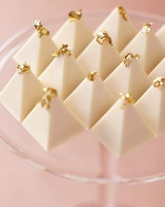 White Chocolate Zabaglione Pyramid Truffles topped with edible gold leaf, and displayed together on a tall cake stand for a dramatic presentation. By Christopher Norman Chocolates. Chocolate Dorado, Love Chocolate, White Chocolate Truffles, Chocolate Trifle, Chocolate Bars, Sparkle Wedding, Gold Wedding, Wedding White, Dream Wedding