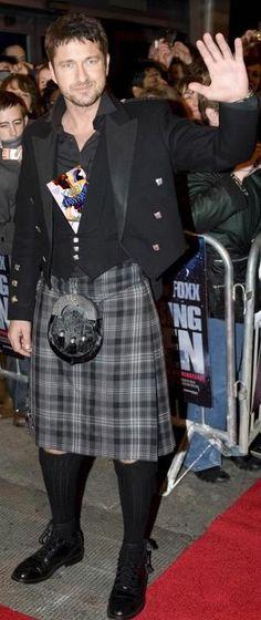 Gerard Butler rocks a kilt at a Glasgow premiere. not diggin' the kilt.for him I'll let it slide! Gerard Butler, Richard Armitage, Tartan Kilt, Plaid, Gorgeous Men, Beautiful People, Gorgeous Body, Scottish Man, Scottish Kilts
