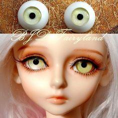BJD doll eyes 20mm yellow green acrylic half ball SD/MSD eyes Dollfie  1 pair Reborn Dolls, Bjd Dolls, Silicone Dolls, Yellow Eyes, Doll Eyes, Pairs, Sd, Unique Jewelry, Handmade Gifts