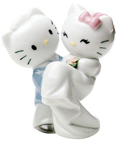 Nao by Lladro Porcelain Figurine: Hello Kitty and Dear Daniel Wedding from Sanrio. Saved to hello kitty Hello Kitty Cake, Hello Kitty Items, Hello Kitty Stuff, Got Married, Getting Married, China Vase, China Plates, Hello Kitty Wedding, Wonderful Day