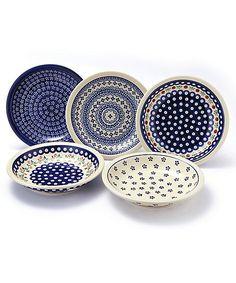 ぬくもりのあるデザインと実用的なつくりで人気のポーランド食器。オーブン・レンジ・食洗機にもお使いいただけます。