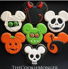 Halloween Cookies Decorated, Halloween Sugar Cookies, Halloween Desserts, Halloween Cakes, Halloween Treats, Halloween Fun, Halloween Biscuits, Halloween Foods, Candy Corn Cookies