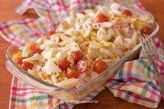 Ensalada de pasta con queso tierno, jamón y cherrys | Comer con poco