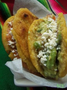 Gorditas filled with beans, gucamole and cotija cheese. I developed a love for gorditas during the bump when I spent 3 months on eves. Mexican Dishes, Mexican Food Recipes, Ethnic Recipes, Mexican Cooking, Gorditas Recipe Mexican, Hispanic Kitchen, Good Food, Yummy Food, Comida Latina