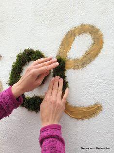 Moosgraffiti: Mit diesem Rezept gelingt es wirklich! – Neues vom Bastelschaf Moss Art, Projects To Try, Wordpress, Living Walls, Garden, Flowers, Plants, Commercial, Wedding