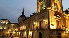 Fotograrte: Antiguo Ayuntamiento de Madrid, al anochecer