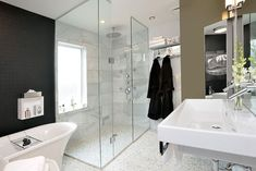 Classic Bathroom Interior Design Examples That Stand Out (16)