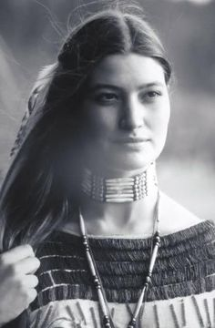 A Native American beauty Native American Models, Native American Beauty, Native American History, American Indians, Native American Hairstyles, Native American Cherokee, Cherokee Woman, Cherokee Nation, American Symbols