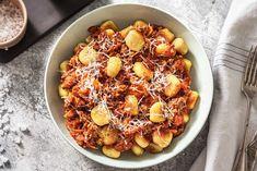 Gnocchi Bolognese with Fresh Tomato Sauce, Carrots and Parmesan Gnocchi Recipes, Pasta Recipes, Beef Recipes, Dinner Recipes, Gnocchi Bolognese, Bolognese Recipe, Hello Fresh Recipes, Italian Recipes