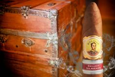 Bolívar Tesoro Edición Regional 2016 – Exclusivo 5ta Avenida Regional, Cigar Art, Cuban Cigars, Free Stock Photos, Classy, Cigars, Crates, Chic