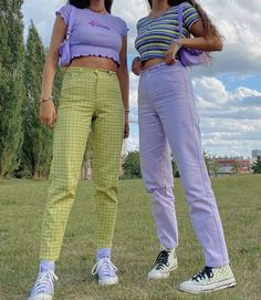 Purple Pants Outfit, Colored Pants Outfits, Pastel Outfit, Lime Green Outfits, Lime Green Pants, Indie Outfits, Retro Outfits, Cute Casual Outfits, Summer Outfits