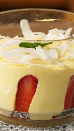 Dessert Recipes Easy - New ideas Quick Dessert Recipes, Easy Cake Recipes, Sweet Recipes, Baking Recipes, Lemon Desserts, Köstliche Desserts, Lemon Recipes, Mini Dessert Cups, Strawberry Shortcake Recipes