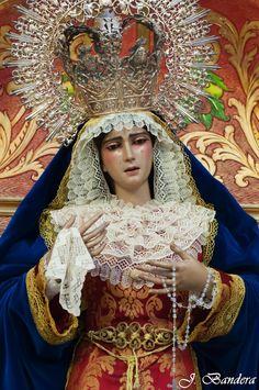 Las Fotografías de Bandera: La Virgen de la Estrella de Dos Hermanas