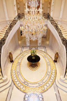 Grand staircase!