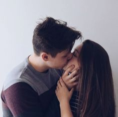 Every one desires to as happy as they possibly can be with their partner. Check out these 24 things couples can do to build and sustain a happier and healthiest relationship. Cute Couple Quotes, Cute Couple Pictures Tumblr, Couple Picture Poses, Couple Photos, Cute Couples Teenagers, Boyfriend Goals Teenagers, Future Boyfriend, Cute Couples Cuddling, Cute Couples Texts