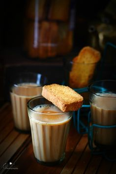Learn how to make strong authentic Indian masala chai with the traditional recipe. Tea Recipes, Indian Food Recipes, Vegetarian Recipes, Glace Fruit, Tea Wallpaper, Indian Cookbook, Chai Recipe, Masala Chai, Indian Dishes