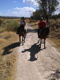 Ruta a caballo por el rio tajo http://www.deportesyaventuraslaisla.com/rutas-a-caballo.html