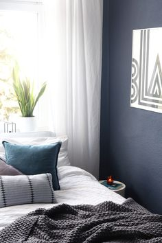 Blue Bedroom, Umstyling, Blaue Wandfarbe Schlafzimmer, Architects' Finest Belem, Blue Wallcolour, Blaues Schlafzimmer