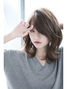 Pin on Hair Asian Short Hair, Asian Hair, Short Hair Cuts, Shot Hair Styles, Curly Hair Styles, Medium Hair Styles For Women, Middle Hair, Hair Arrange, Long Hair With Bangs