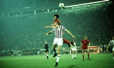 Ajax 1 Juventus 0 in May 1973 in Belgrade. Johan Cruyff gets up the highest in the European Cup Final.