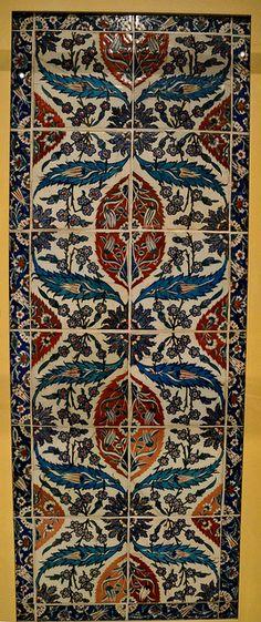 Iznik, Turkey, underglaze-painted stonepaste, c. 1560.