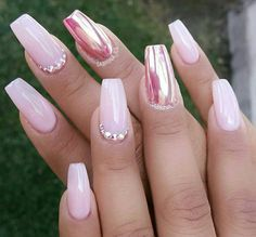 Don't exactly like the nail shape, but just LOVE those pinks! So pretty.