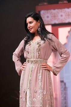 Ce samedi 22 avril, pour le grand défilé de haute-couture marocaine «Caftan 2017», Nadia Boutaleb s'est distinguée par une collection fine et raffinée