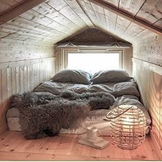 compact living If I'll ever have a house with an attic, it will be my room and it will look like this. I will most likely not get out of the house. Attic Bedroom Small, Attic Spaces, Cozy Bedroom, Bedroom Decor, Attic Loft, Attic Bathroom, Attic Office, Bedroom Ideas, Bedroom Seating