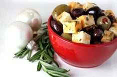 Marinated cheese and olives as part of Stephanies Holiday Project at Life Tastes Like Food Marinated Cheese, Marinated Olives, Recipes Appetizers And Snacks, Healthy Snacks, Healthy Eating, Appetizer Ideas, Antipasto, Low Carb Recipes, Cooking Recipes