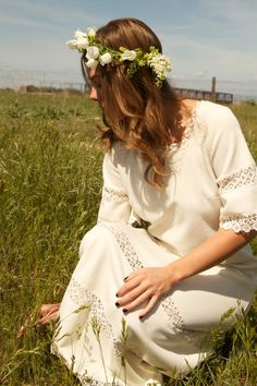 """Hippie Vintage Wedding Dress: """"For instant hipster, add dopey headband, preferably with flowers. Volia! - mld"""""""