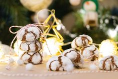 Recept na crinkles - KAMzaKRASOU.sk Crinkles, Place Cards, Place Card Holders, Eat, Recipes, Recipies, Ripped Recipes, Recipe, Cooking Recipes