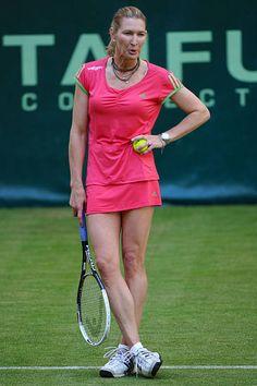 Pretty Nose, Steffi Graf, Games To Win, Champions Trophy, Tennis Fashion, Tennis Stars, Maria Sharapova, Tennis Players, Gabriel