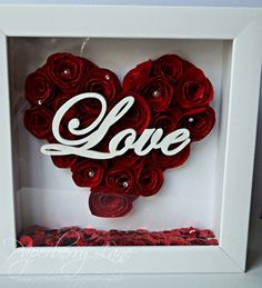 Rolled Rose Love Shadow Box by PaperberryLane on Etsy Flower Shadow Box, Diy Shadow Box, Flower Boxes, Shadow Box Frames, Shadow Box Kunst, Box Picture Frames, Glamour Decor, Quilling, Valentine Box