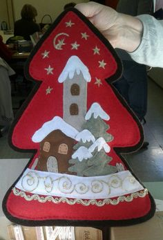Albero di Natale in feltro con casette