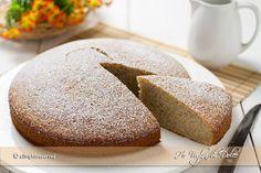 Torta di banane soffice e semplice, un dolce per consumare le banane troppo mature. Una torta alla banana morbida, umida e facile da preparare. Da provare!
