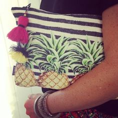 ACCESSORIES :: Pineapple Clutch - #pineapples #tropical #clutch
